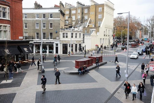 Modelo de calle de usos compartidos. Exhibition Road 2011. Fuente: building.com.uk