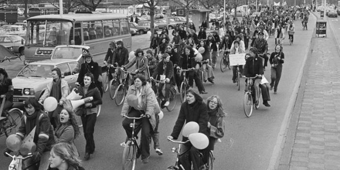 """""""¿Cómo consiguieron los holandeses su infraestructura para bicicletas?"""". Protesta Ámsterdam, 1979. Fuente: bicycledutch."""