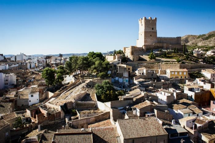 Centro Histórico de Villena. El Castillo de la Atalaya sobre las faldas de la Sierra de la Villa. Fuente: Laura Álvarez Yrazusta