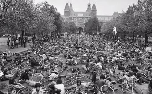 Presiones holandesas para conseguir sus ciclovías. Fuente Bicicultura.com.pe