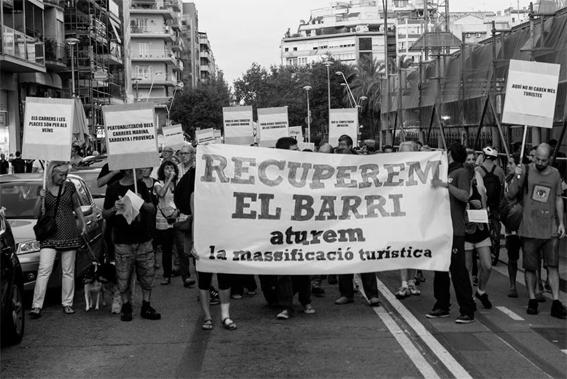Manifestación para la recuperación del barrio. Fuente: ovoodocorvo.blogspot.com.es