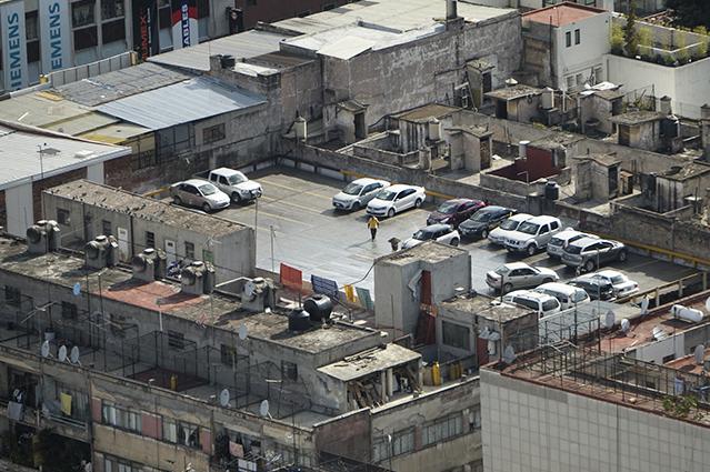 Del nivel 0 al tejado, los autos también suben al tejado. Fuente: archivo personal